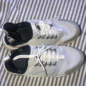 Nike Shoes - Nike Huraches Run Ultra